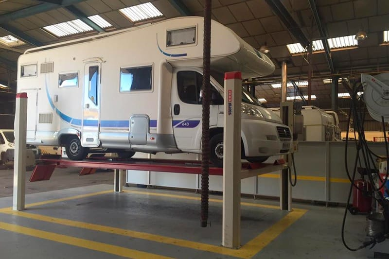 garage-entretien-camping-car
